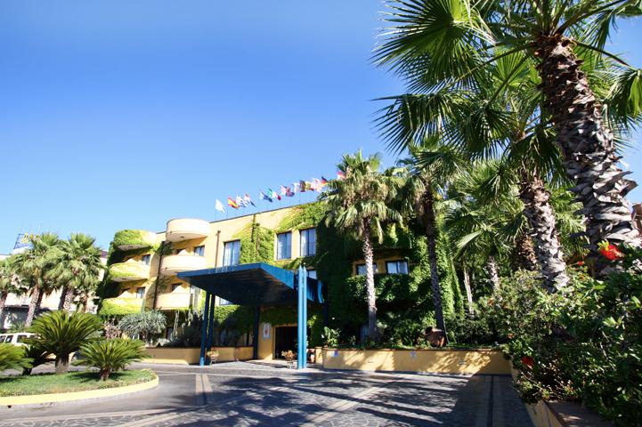 Caesar palace hotel hotel meeting a giardini naxos sicilia - Hotel caesar palace giardini naxos ...
